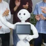 Японский робот, который умеет выражать эмоции :-)